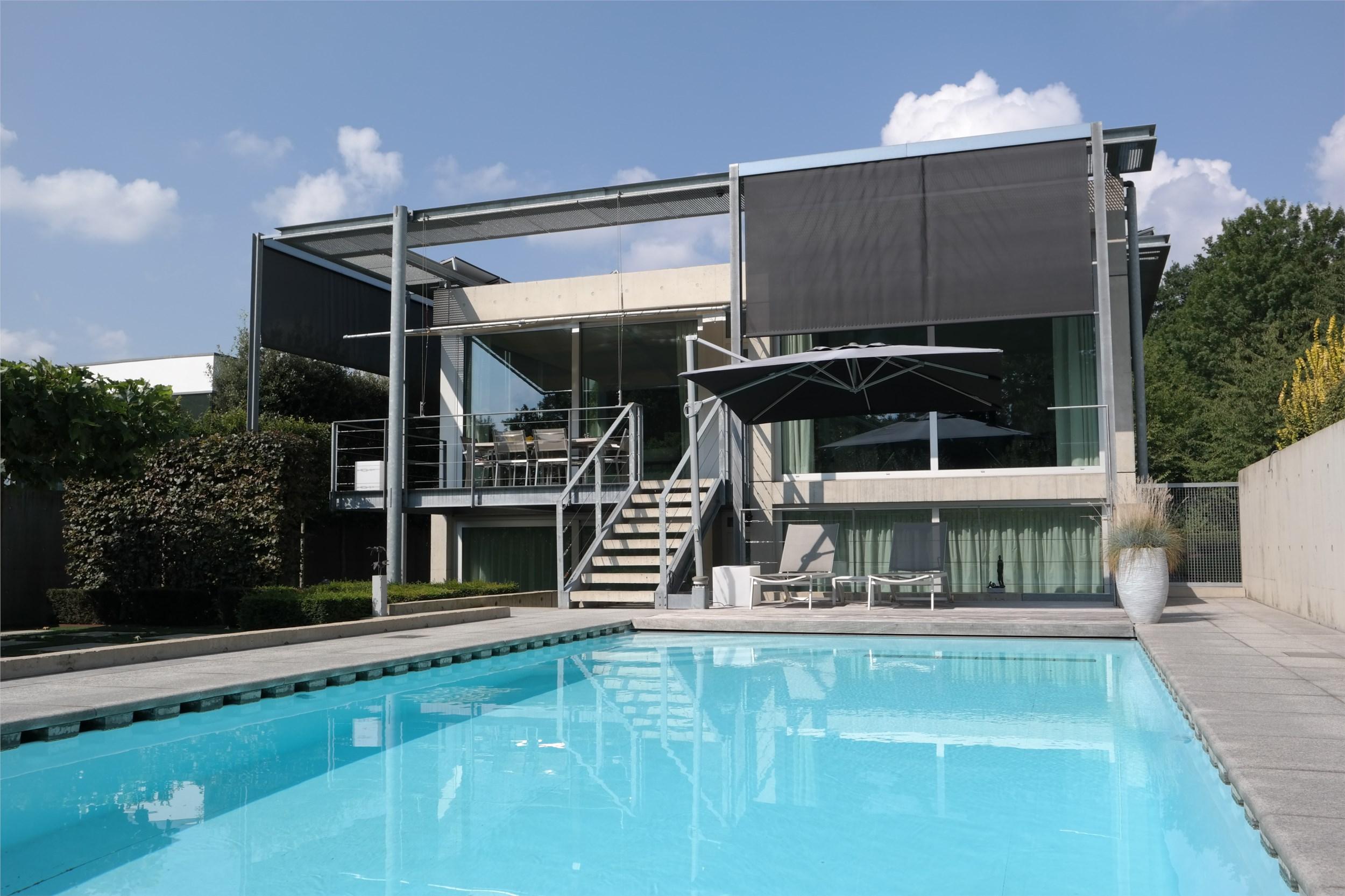 Zwembad In Huis : 5 x huis met zwembad makelaarsland